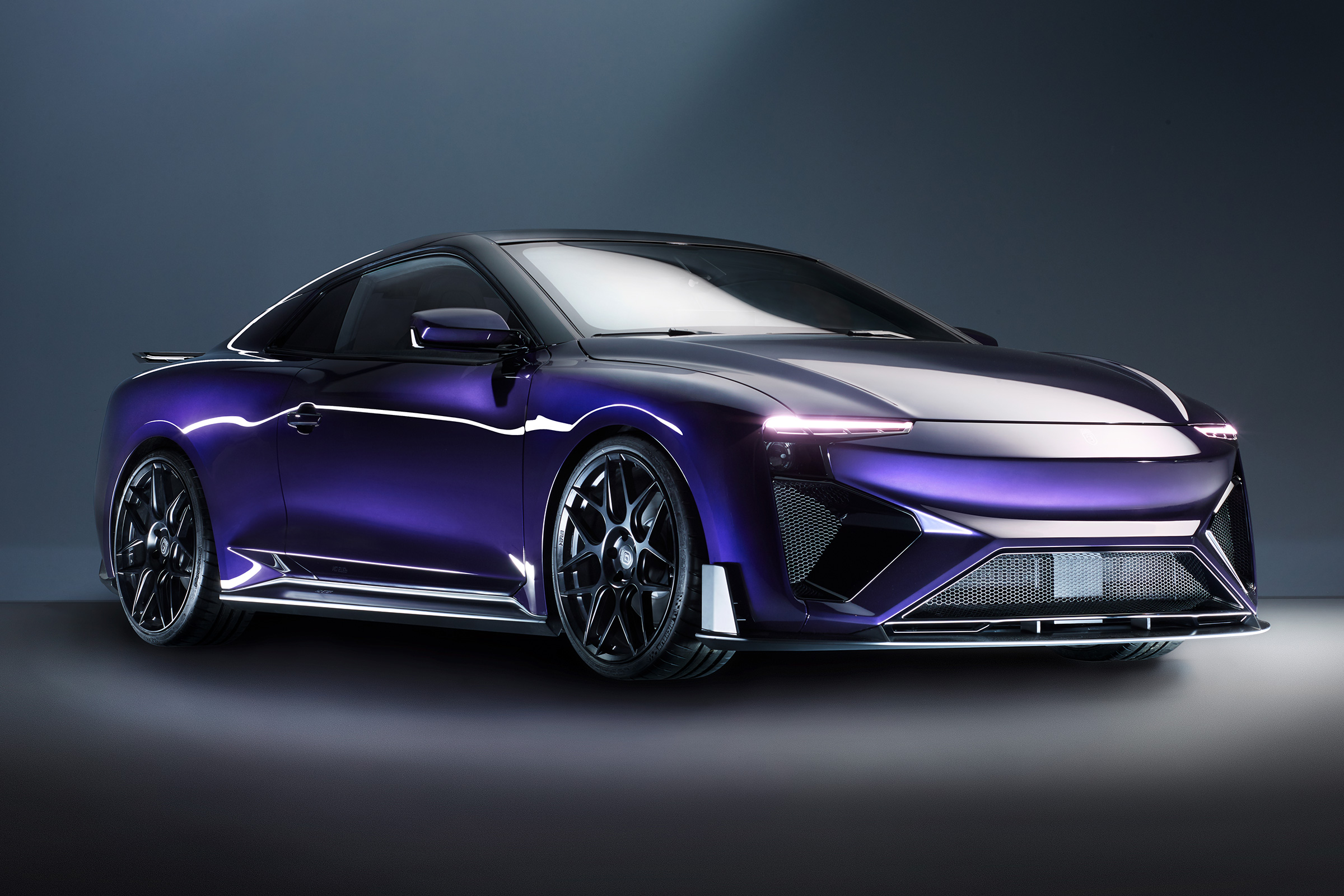 The Engineer Behind Gumpert Apollo Teams Up With Chinese Start Aiways To Unveil A Methanol Ed Car World S First Electric